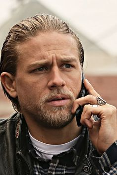 Charlie Hunnam (Sons of Anarchy) I'm obsessed