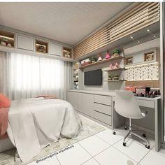 Inspiração linda de quarto de menina  A parede oposta a cama abriga espaço para tv, estudos e make. O ar condicionado foi camuflado por um…