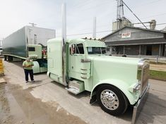Chris VanPelt says the 2007 Peterbilt 379's mint and teal two-tone paint scheme came to him in a vision, and he worked with Peterbilt to spec it.