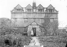 Walkley Hall, Heavygate Road, Crookes, probably built by William Rawson in The Hall was demolished in 1926 to make way for the present housing estate. Old Photos, Vintage Photos, Industrial Architecture, Make Way, South Yorkshire, Antique Prints, Heaven On Earth, Sheffield, Places To Visit