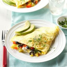 Fiesta Time Omelet Recipe -I created this dish when I needed to use up some black olives and jalapenos. With its abundance of vegetables two of these large omelets can feed four people if served with side dishes. Mexican Food Recipes, Vegetarian Recipes, Healthy Recipes, Ethnic Recipes, Healthy Breakfasts, Sugar Free Diet, Sugar Free Recipes, Paleo Breakfast, Breakfast Recipes