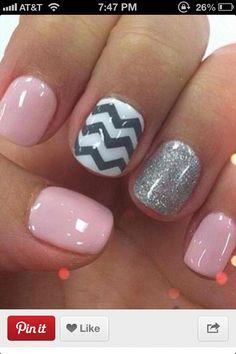 Chevron nails 😍💅 @Katie Schmeltzer Schmeltzer Schmeltzer Bettinger give me these!