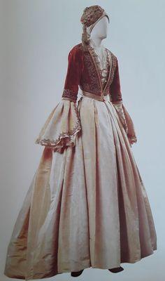 Greek Traditional Dress, Traditional Outfits, Historical Costume, Historical Clothing, Greek Clothing, Fantasy Dress, Folk Costume, Indian Dresses, Designer Dresses