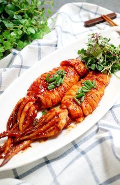 Korean whole grilled Spicy Squid : 매콤한 오징어통구이 쫄깃해요 :