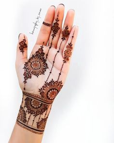 Henna Tattoo Designs Simple, Floral Henna Designs, Latest Bridal Mehndi Designs, Finger Henna Designs, Full Hand Mehndi Designs, Henna Art Designs, Mehndi Designs For Beginners, Mehndi Designs For Girls, Mehndi Design Photos
