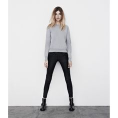 April, 2013./ losse sweater and sark jeans<3
