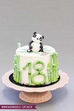 Panda Bär - Mademoiselle Cupcake Mademoiselle Cupcake, Cupcakes, Fondant, Desserts, Food, Birthday Cake Toppers, Bamboo, Wedding Cakes, Cake Ideas