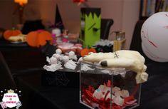 Decoração da mesa para Halloween (Dia das Bruxas). Para decorar nas festas do Dia das Bruxas (Halloween). Decoração para crianças.   #manualidades #diy #artesanato #handcraft #halloween #diadasbruxas