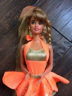 Hollywood-Hair-Teresa-1992-Barbie-Doll