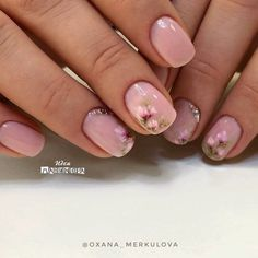 Gorgeous floral nail art... very dainty and perfect for spring/summer! #nailart