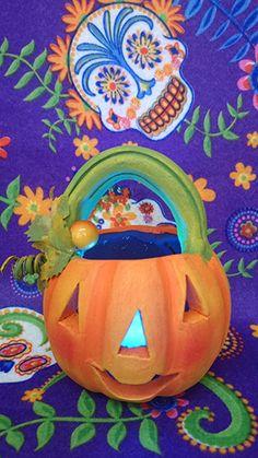 Calabaza de barro - clay Jack-o'-lantern Pumpkin Carving, Clay, Pumpkins, Mud, Ornaments, Parties, Manualidades, Clays, Modeling Dough