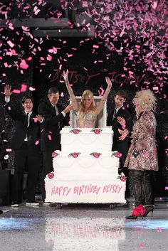 Sometimes you just need to have a good time... happy to see that Betsey Johnson is back.  Betsey Johnson RTW Spring 2013