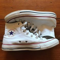 White high top converse In good condition, slight signs of wear Might be able to get the stains out Converse Fashion, Converse Style, Converse Chuck, Converse All Star, Sneakers Fashion, White High Top Converse, White High Tops, Stains, My Style