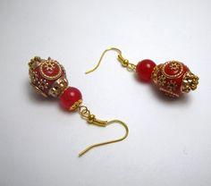 Boucles d'oreilles en perle indonésienne et perle de jade par Boutique Astrallia : http://www.alittlemarket.com/boucles-d-oreille/fr_boucles_doreilles_en_perle_indonesienne_et_perle_de_jade_par_boutique_astrallia_-12634573.html