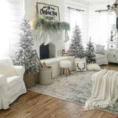 30 The Best Farmhouse Style Christmas Decor Ideas For Living Room - I invite you into my rustic farmhouse as I share my free spirited Boho Chic Christmas decor, getting ready for the beautiful holiday season and a hous. Farmhouse Christmas Decor, Cozy Christmas, Rustic Christmas, White Christmas, Christmas Fireplace Decorations, Country Christmas Decorations, Minimalist Christmas, Woodland Christmas, Modern Christmas