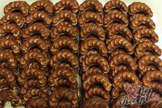Velmi šťavnatý Milka koláček z hrnečku Christmas Sweets, Christmas Baking, Christmas Cookies, Top Recipes, Sweet Recipes, Baking Recipes, Slovak Recipes, Czech Recipes, Gluten Free Cookies