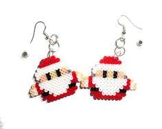 Santa Claus Ohrringe Pixel-Schmuck Perler Perlen von VickyDesign88