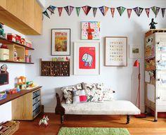 こんな子供部屋いいな。日がさしているのも重要か…