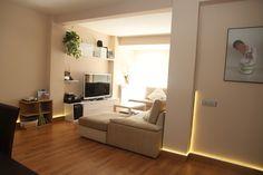 Open space: reformas integrales para hacer pisos diáfanos eliminando tabiques. Por Kubo, reformas en Madrid. Corner Desk, Madrid, Furniture, Home Decor, Renovation, Family Of 4, Septum, Cozy, Flats