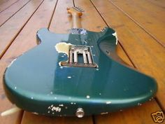 """1962 Fender© Stratocaster©  Stainless Pro Dunlop 6100 med Jumbo refret, 7/25"""" radius, 1-5/8"""" nut. All else is original. We got dec 1962 neck date, 1959-1962 green pickguard, 2nd week 1963 pot dates. No nail holes like Fender© repainted this in a factory refin."""