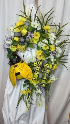 Wreaths For Front Door, Door Wreaths, Grapevine Wreath, Burlap Wreath, Entryway Decor, Office Decor, Teacher Wreaths, Mothers Day Wreath, Country Wreaths