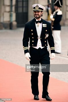 Ceremony And Arrivals: Wedding Of Prince Carl Philip Of Sweden And Sofia Hellqvist - Photo by Ian Gavan/Getty Images Prinz Carl Philip, Hot Country Boys, Royal Clothing, Handsome Prince, Swedish Royals, Men In Uniform, Gorgeous Men, Beautiful, Royal Weddings