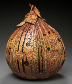Amazing Gourd Art by Marilyn Sunderland Turns Fall Vegetables into Fabulous Home Decorations Decorative Gourds, Hand Painted Gourds, Carved Pumpkins, Sunderland, Carillons Diy, Muse Art, Dremel, Art Carved, Gourd Art