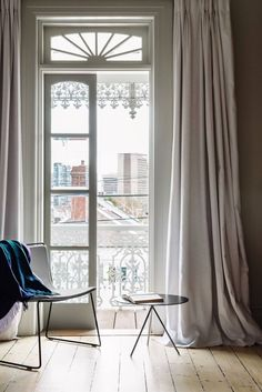 10 Top Minimalist Window Curtains Inspiration That Makes Your House Brighter Interior, Home, Interior Barn Doors, French Door Window Coverings, Doors Interior, Contemporary House, Melbourne Apartment, Office Interior Design, Minimalist Window