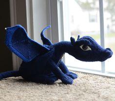 Free knitting pattern for Terry Pratchett's Discworld: Flynn the Swamp Dragon