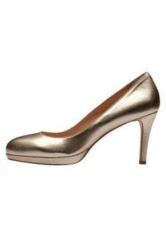 Escarpins à talons hauts - golden Kitten Heels, Peep Toe, Pumps, Fashion, Gowns, Moda, Fashion Styles, Pumps Heels, Pump Shoes