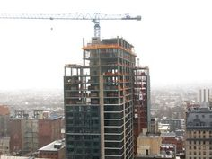 1213 Walnut aka Fergie Tower tops out