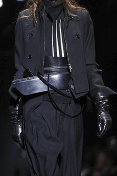 Ann Demeulemeester Ready To Wear Fall Winter 2015 Paris - NOWFASHION