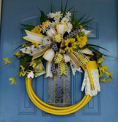 Sunflower and Daisy Bee-Themed Garden Hose Wreath, Front Door Wreath, Summer Wreath, Honey Bee Wreath, Garden Wreath, Patio Wreath, by TwoRoadsDivergedShop on Etsy