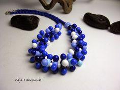 Caja-lampwork  --  Schmuck aus Glas : Blau - weiße Perlenkette