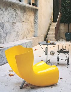 Felt chair by Marc Newson. Images courtesy of Cappellini. Contemporary Chairs, Modern Chairs, Metal Chairs, Cool Chairs, Cool Furniture, Furniture Design, Balcony Table And Chairs, Interior Desing, Office Chair Without Wheels