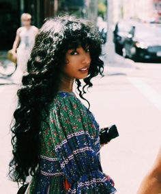 lasnoot: Diana Gordon - Hurdy to the gurdy, yo. Pretty People, Beautiful People, Curly Hair Styles, Natural Hair Styles, Black Girl Aesthetic, Hair Reference, Grunge Hair, Tips Belleza, Black Is Beautiful