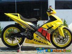 YAMAHA LC maddest,wildest,coolest bike ever! Mini 4wd, Drag Bike, Racing Motorcycles, Bike Life, Sport Bikes, Custom Bikes, Cool Bikes, Yamaha, Honda