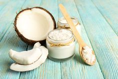 Oil Pulling: The Natural Way To Whiter, Healthier Teeth? Coconut Oil For Teeth, Coconut Oil For Dogs, Coconut Oil Pulling, Cooking With Coconut Oil, Coconut Oil Uses, Benefits Of Coconut Oil, Organic Coconut Oil, Cacao Benefits, Cooking Oil