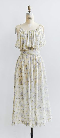 vintage 1970s Flowers of Hedgerow Dress | www.adoredvintage.com