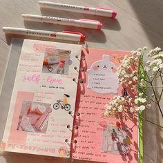 Bullet Journal Lettering Ideas, Bullet Journal Notebook, Bullet Journal School, Bullet Journal Ideas Pages, Bullet Journal Inspiration, Images Esthétiques, Cute Journals, Bullet Journal Aesthetic, Scrapbook Journal