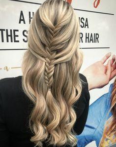 Ragyogj a nyári esküvőkön! Csodás koszorúslány haj ötletek - 1. kép