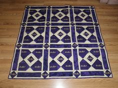 Crown Royal Bag Quilt Crown Royal Quilt, Crown Royal Bags, Royal Crowns, Quilting Ideas, Quilting Projects, Pattern Blocks, Quilt Patterns, Make A Crown, Homemade Things