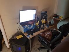 Rate my friend's gaming setup.