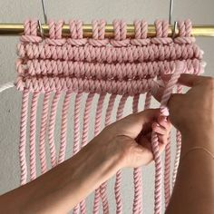 It's a Macrame SECRET, so keep it between you and I. This is how I Tie Horizontal Clove Hitch Knots. I turn the working cord counter… Macrame Art, Macrame Projects, Macrame Modern, Clove Hitch Knot, Micro Macramé, Passementerie, Macrame Patterns, Yarn Crafts, Knots
