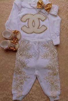Fashion Kids, Baby Girl Fashion, Unique Baby Clothes, Gender Neutral Baby Clothes, African Dresses For Kids, Baby Dress Design, Cute Baby Shoes, Designer Baby Clothes, Baby Bling
