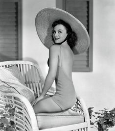 Topless Cleavage Paulette Goddard  nude (61 pics), Snapchat, braless