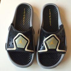 Jordan Sandals Women's: 9 Men's: 7.5 Condition: gently worn slides/ slip ons Jordan Shoes Sandals
