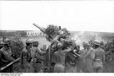 A German artillery crew in Tunisia, April 1943.