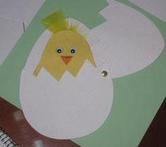 Hatching chick craft for preschoolers – preschool crafts and worksheets Daycare Crafts, Classroom Crafts, Classroom Fun, Toddler Crafts, Egg Crafts, Easter Crafts, Spring Crafts, Holiday Crafts, Projects For Kids