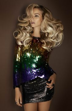 Huge hair: De Lorenzo 'Femme Fatale' Novacolor Winter Collection how do i get that volume? Look Disco, Disco 70s, Look Fashion, Fashion Beauty, Trendy Fashion, Great Hair, Mode Inspiration, Gorgeous Hair, Amazing Hair